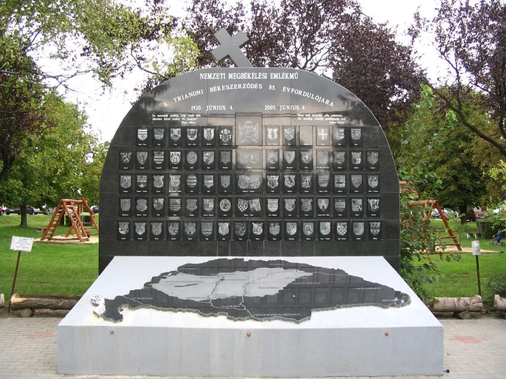 Et ungarsk Trianon-monument fra landsbyen Cstalja (Foto: Public domain)