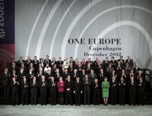EU's udvidelser har været drevet af pisk, gulerod og historiens vingesus